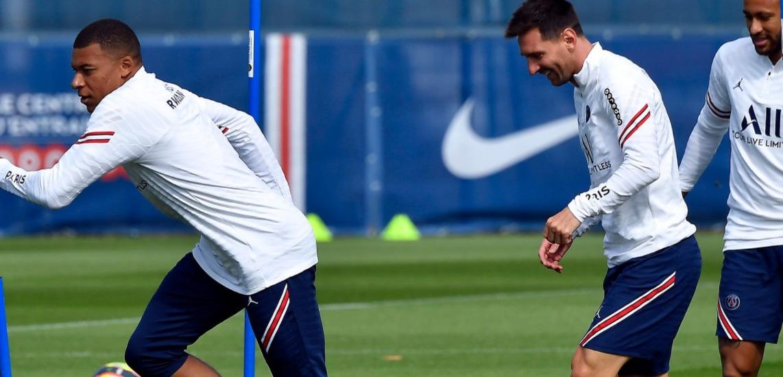 Lionel Messi set for Paris Saint-Germain debut